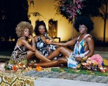 Mickalene Thomas, Le déjeuner sur l'herbe: les trois femmes noires, 2010
